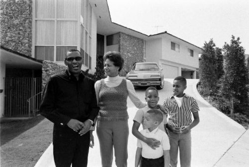 Ray Charles with wife Della Beatrice Howard Robinson and his children